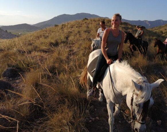 5 SPORTIEF Wandelen met paard 1