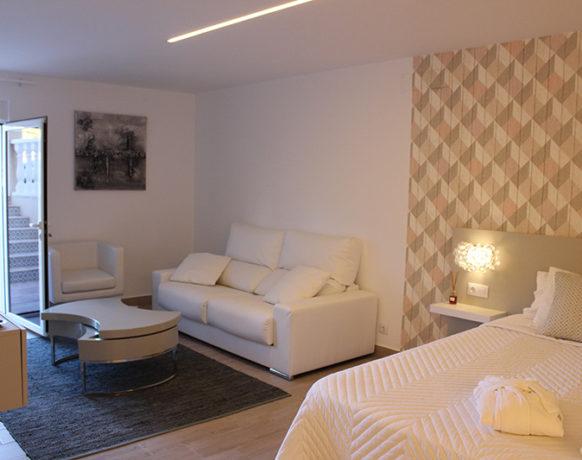 casa-algezar-bed-and-breakfast-guestroom-almendra-06