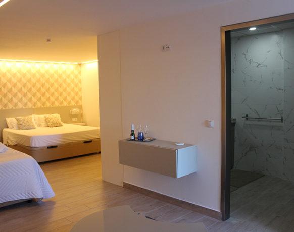 casa-algezar-bed-and-breakfast-guestroom-almendra-07