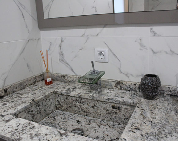 casa-algezar-bed-and-breakfast-guestroom-almendra-10
