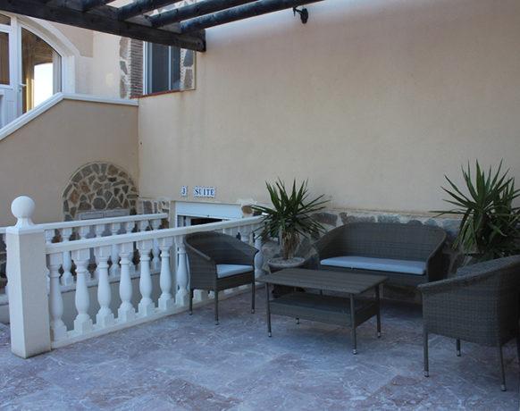 casa-algezar-bed-and-breakfast-guestroom-almendra-12