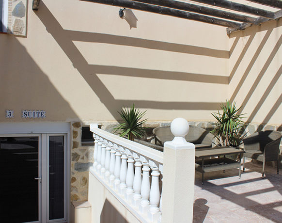casa-algezar-bed-and-breakfast-guestroom-almendra-15