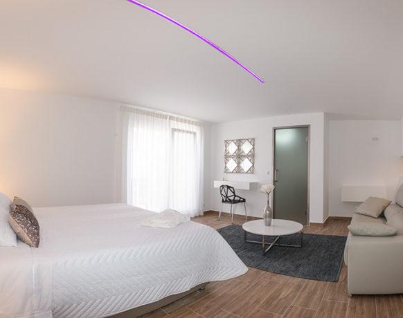 casa-algezar-bed-and-breakfast-guestroom-mango-04