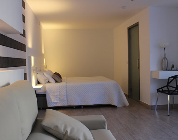 casa-algezar-bed-and-breakfast-guestroom-pina-15
