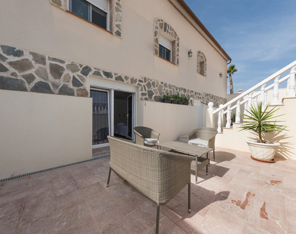 casa-algezar-bed-and-breakfast-guestroom-pina-18