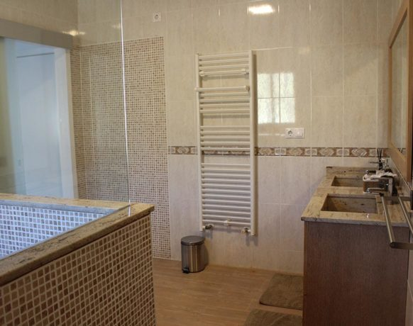 casa-algezar-bed-and-breakfast-la-canalosa-guestroom-fresa-06