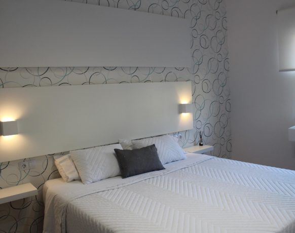 casa-algezar-bed-and-breakfast-la-canalosa-guestroom-higo-01