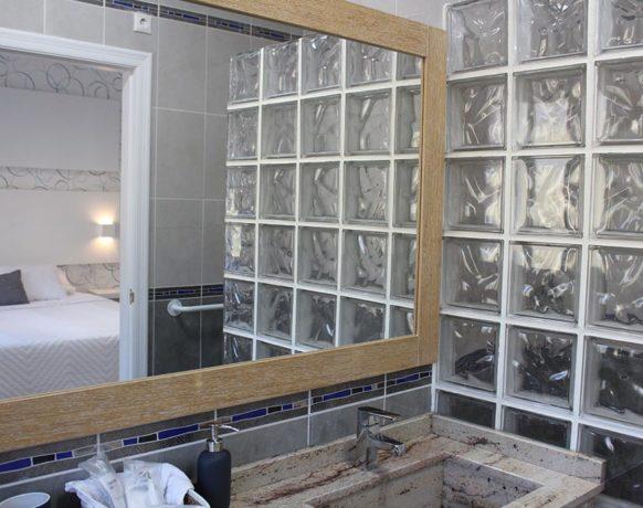 casa-algezar-bed-and-breakfast-la-canalosa-guestroom-higo-09
