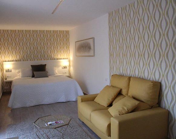 casa-algezar-bed-and-breakfast-la-canalosa-guestroom-naranja-07