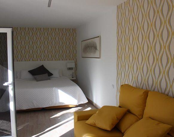 casa-algezar-bed-and-breakfast-la-canalosa-guestroom-naranja-14