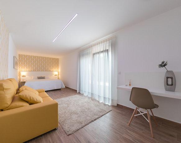 casa-algezar-bed-and-breakfast-la-canalosa-guestroom-nispero-03