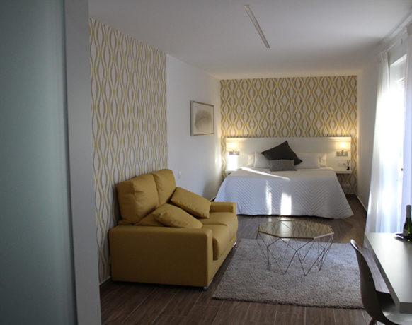 casa-algezar-bed-and-breakfast-la-canalosa-guestroom-nispero-07